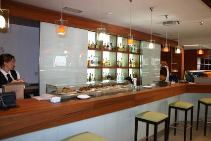 Arquiconcept arquitectura y dise o de hoteles - Barras de bar iluminadas ...